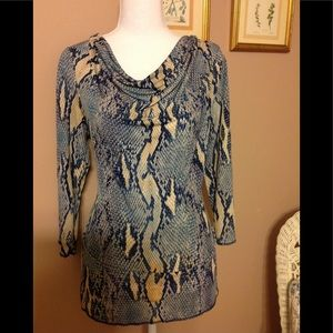 Anne Klein 3/4 sleeve top.